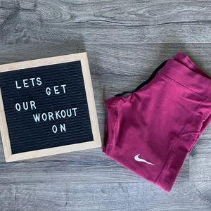 Nike Capri Leggings - Medium